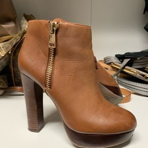 7.5 Genuine Leather Ankle Boot